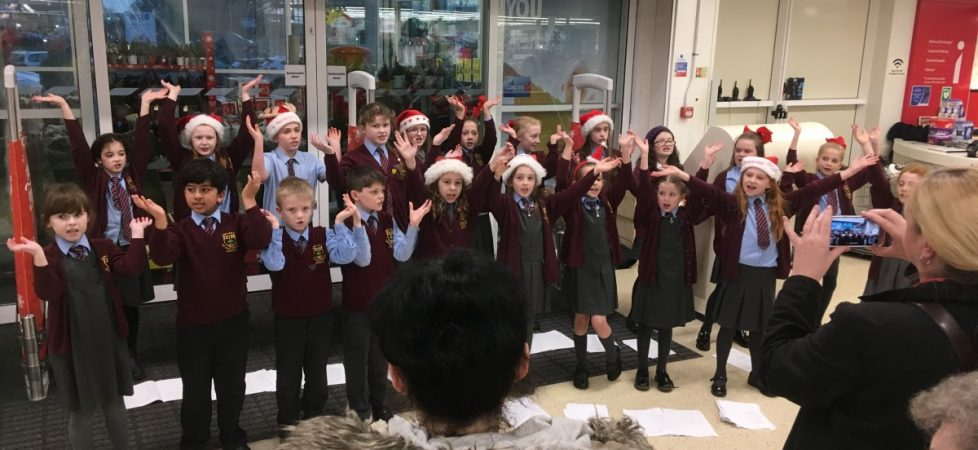 The Wonderful Choir singing in Tesco December 2017